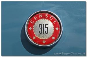 Ford Consul 315 Classic - bonnet badge
